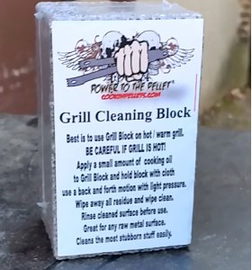 grill-cleaning-block